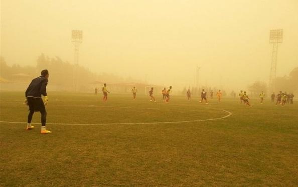 دیدار تیم های فولاد و پیکان به دلیل گرد و غبار شدید اهواز لغو شد