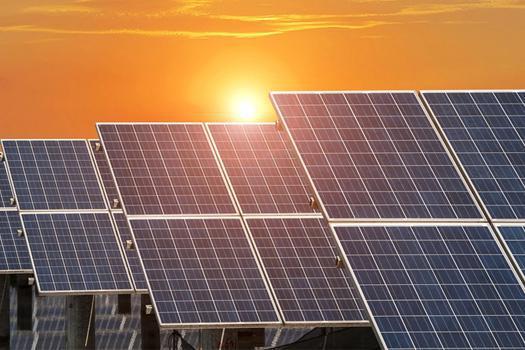 افتتاح نیروگاه خورشیدی سیستان و بلوچستان با تسهیلات بانک صنعت و معدن