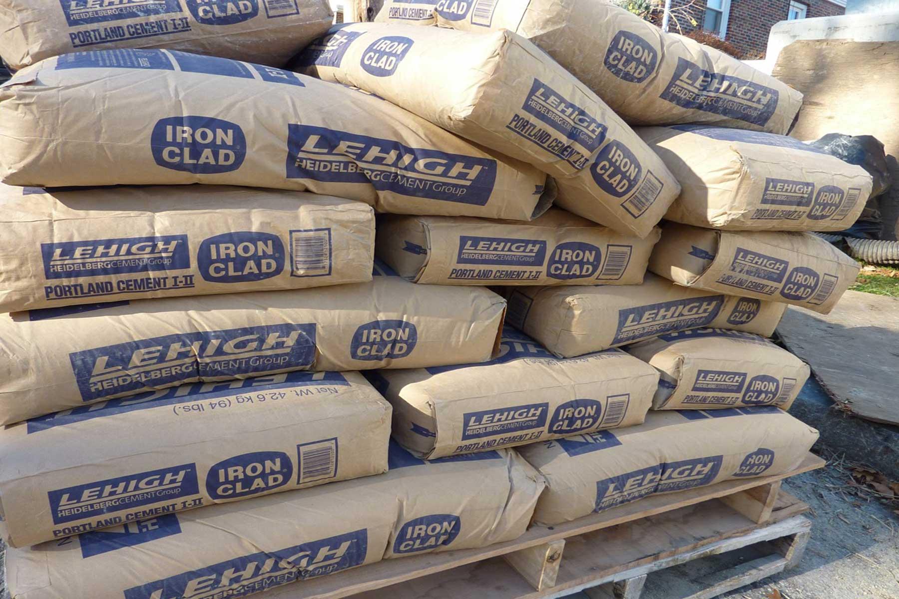 استقبال سرمایه گذاران از اوراق سلف موازی استاندارد سیمانی ها در بورس کالا