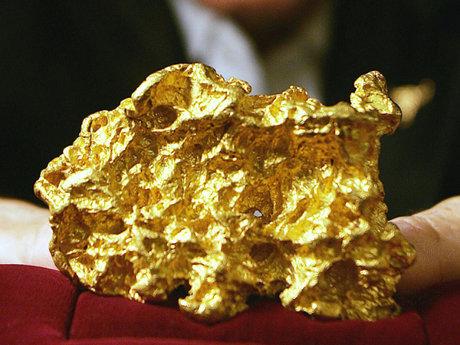 بهای طلای خام رکورد زد