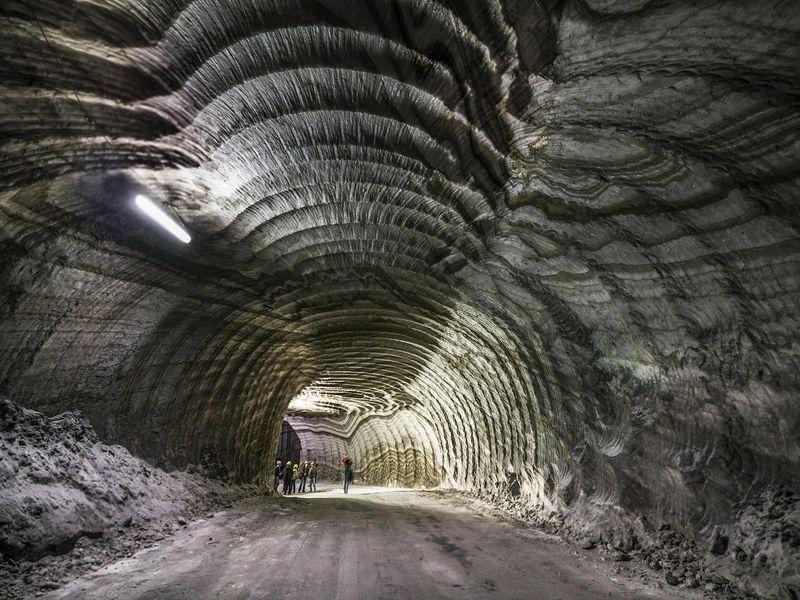ضرورت تشکیل اتحادیه معدن داران نمک در گرمسار