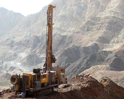 ایرانیان خارج از کشور از ظرفیت اعتباری خود در بانک ها در بخش معدن استفاده کنند