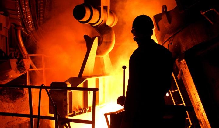 دولت با صنعت اشتغالزایی مانند فولاد چه کرد؟/فولادیها به خاطر اهمالِ دولت ورشکسته شدند
