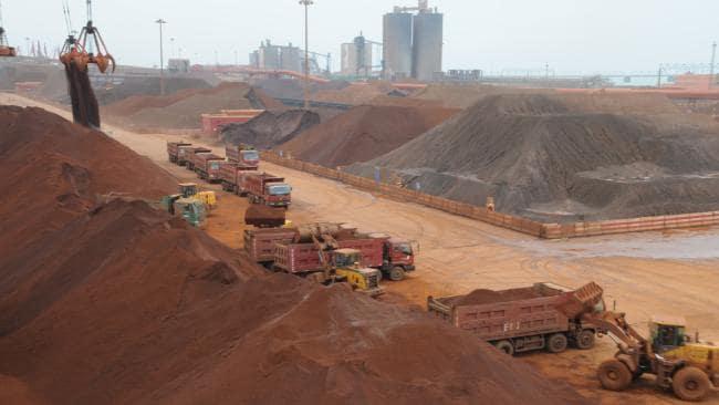 کاهش ارزش یوان در برابر دلار عامل افت قیمت سنگ آهن