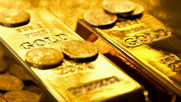 بهای طلا در بازارهای جهانی کاهشی شد