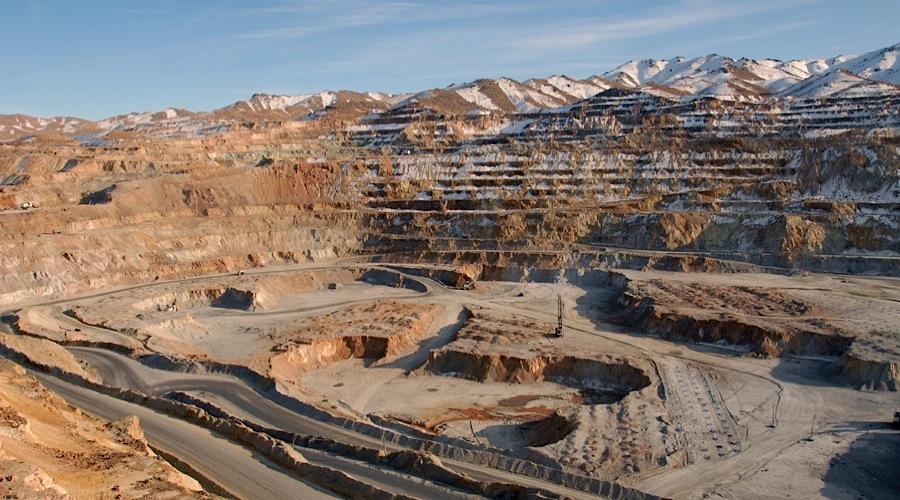 فضای کسب و کار معدن با بازنگری قانون معادن بهبود مییابد/ فعالان اقتصادی برای تدوین برنامه تولید نیازمند ثبات قوانین حداقل در 10 سال آتی هستند