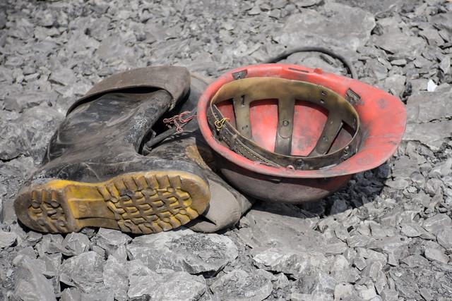 ریزش معدن زغال سنگ در کرمان یک کشته و 7 مصدوم برجای گذاشت