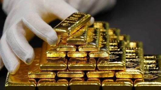 طلا تا پایان 2018 به 1400 دلار می رسد