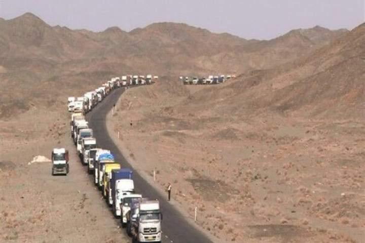مرز «فراه» افغانستان پس از وقفه 50 روزه مجددا بازگشایی شد/ صادرات آهن و سیمان به افغانستان از سر گرفته می شود