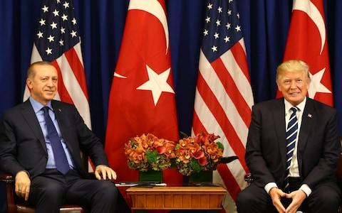 آمریکا و ترکیه برای افزایش تجارت خارجی موافقت کردند/ انتظار ترکیه برای لغو تعرفه واردات فولاد و آلومینیوم