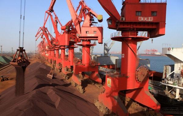 واردات سنگ آهن چین به پایین ترین سطح در 10 ماه اخیر رسید