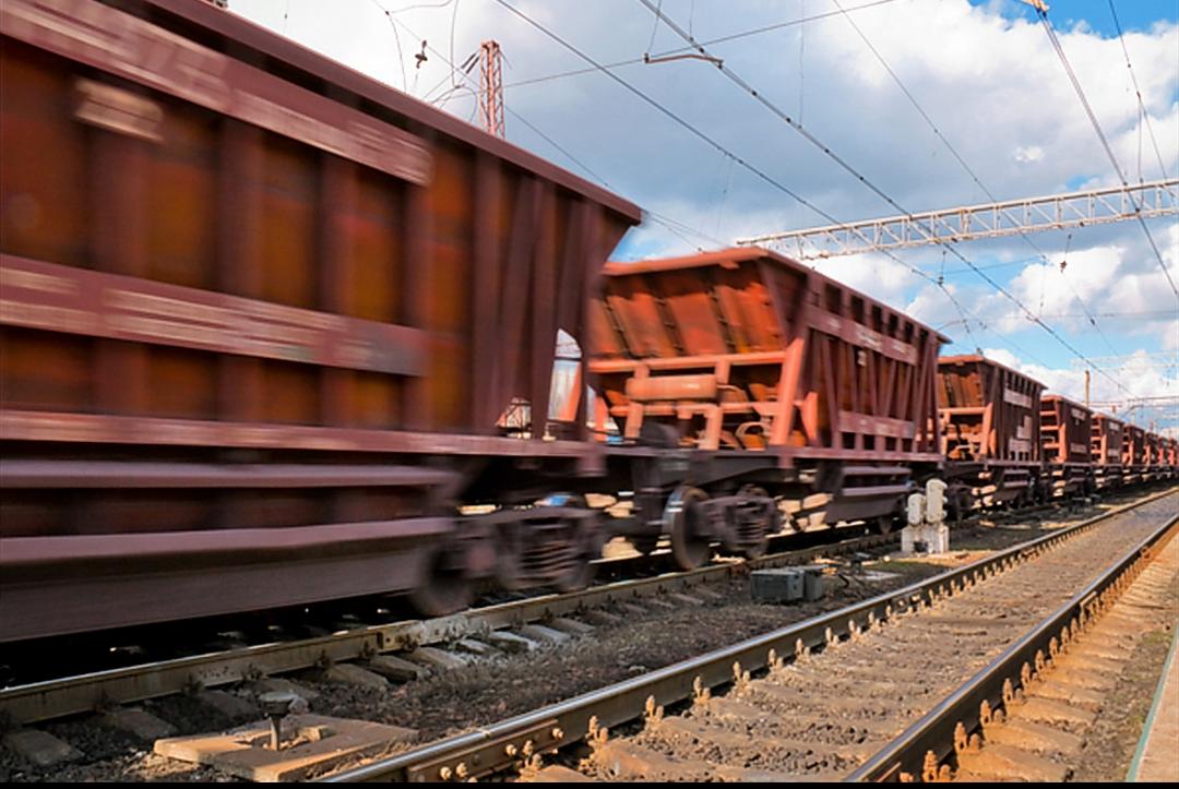 بهای سنگ آهن در مسیر صعود/ محدودیت سه روزه حرکت کامیون ها در شمال چین به اتمام رسید/ فولادسازان چینی به دنبال ذخیره سازی مجدد سنگ آهن