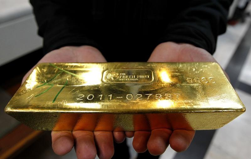 برنامه سازمان صنعت کردستان برای تولید شمش طلای استاندارد/ 50 درصد طلای کشور در کردستان تولید می شود/ عرضه طلا در بورس های بین المللی مستلزم تولید 20 تن شمش طلا در سال است