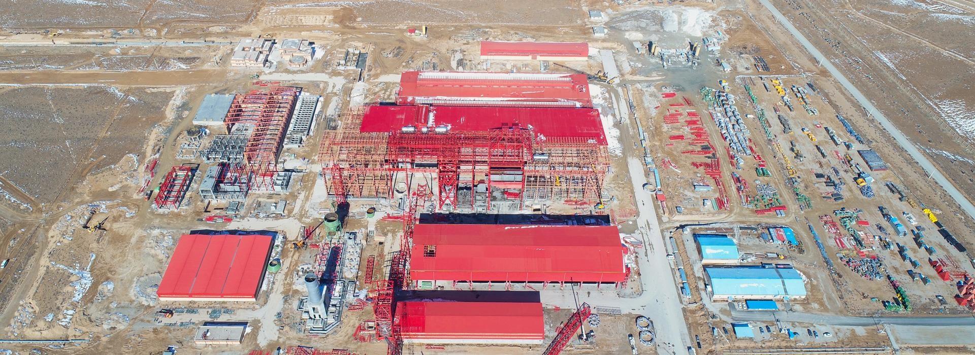 آغاز نصب تجهیزات سنگین فولادسازی سفیددشت/ پیشرفت طرح هم اکنون به 75درصد رسید