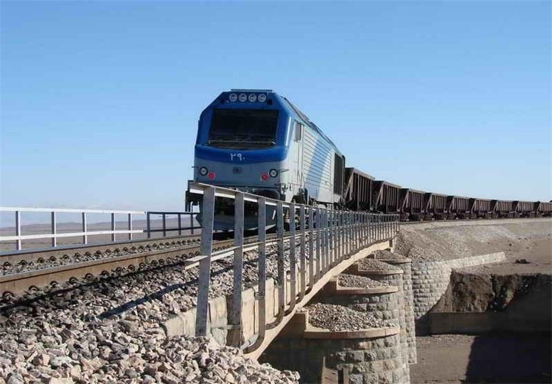 اجرای برنامه حمل سالانه 9 میلیون تن کنسانتره آهن توسط ناوگان ریلی