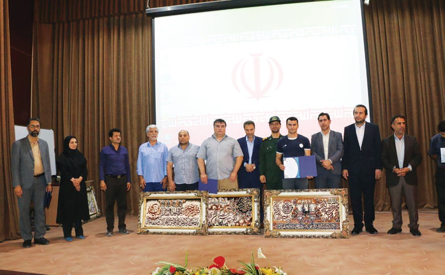 تجلیل از قهرمانان و افتخار آفرینان جهانی ورزش در فولادشهر