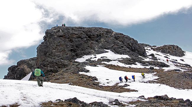 صعود کوهنوردان ذوب آهن به قله کرکس