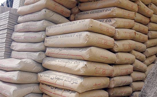 رکود صنعت ساختمان و پروژه های عمرانی موجب کاهش فروش سیمان شده است/ بازگشت ارز حاصل از صادرات مانع پیش روی صادرات سیمان