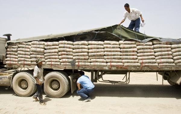 تمدید مهلت صادرات سیمان دست دلالان را کوتاه کرد