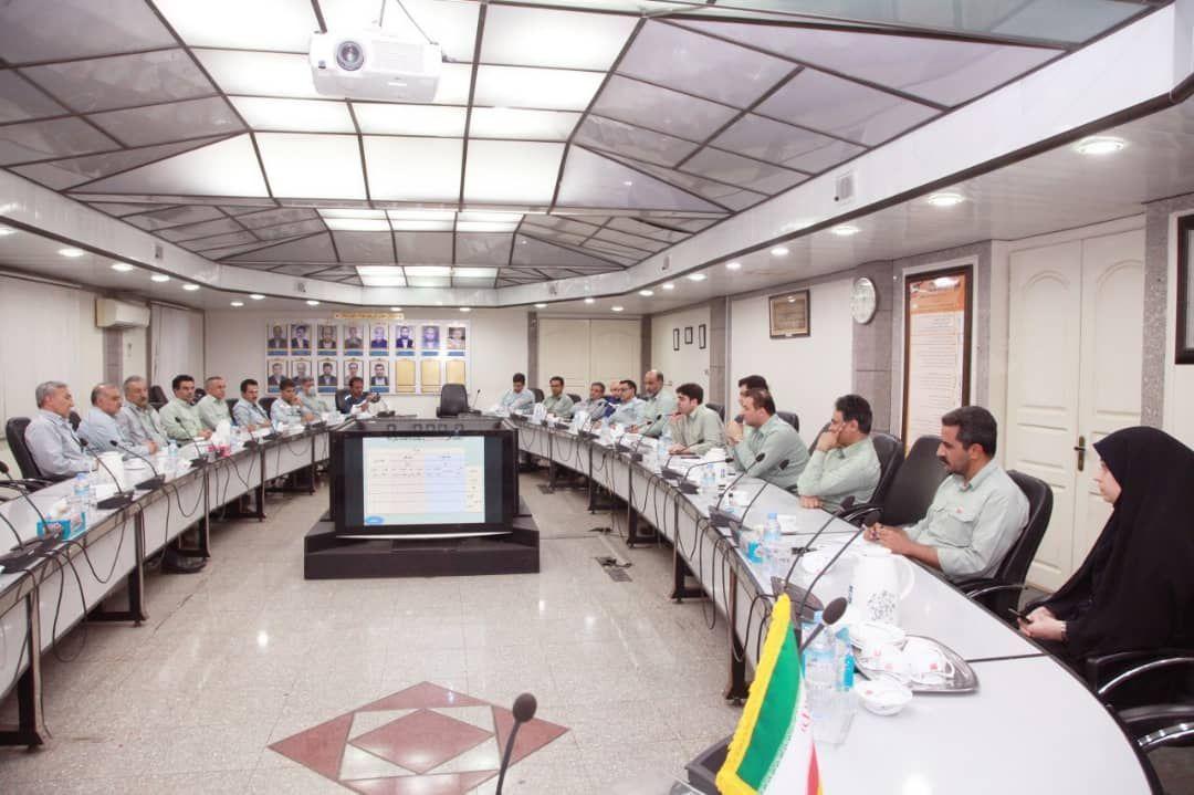 پایش پروژه های بهبود عملکرد انرژی در کمیته عالی و بازنگری انرژی فولاد خوزستان