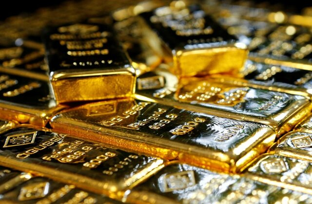 قیمت طلا در بازارهای جهانی/ افت ارزش دلار، کاهش قیمت طلا را محدود کرد