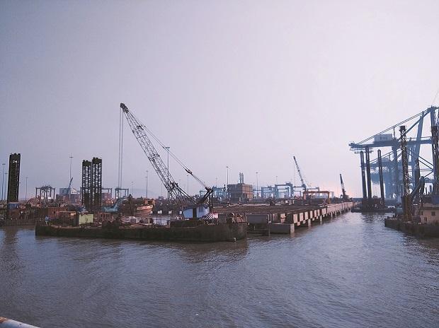 کشتی های وارداتی به چین 14 روز قرنطینه می شوند