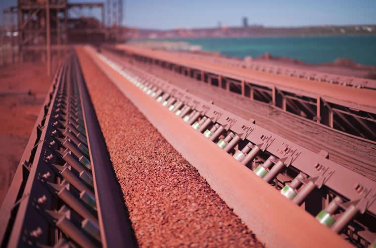 سقوط بیش از 10 دلاری سنگ آهن طی دو روز