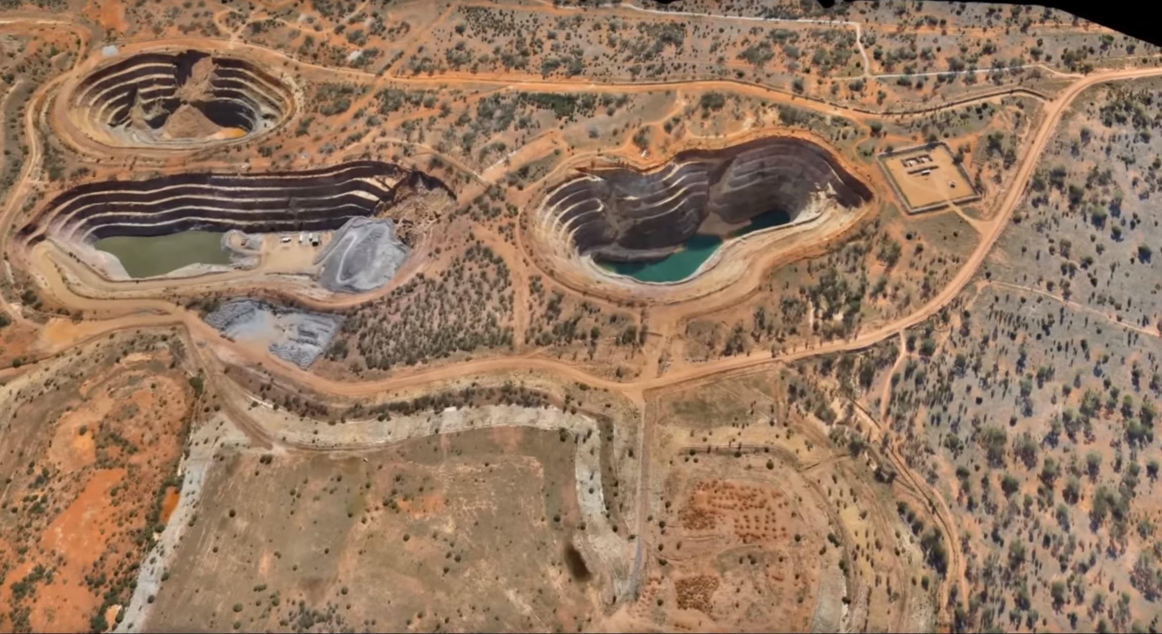زیان پرو ناشی از تعطیلی فعالیت معدنی